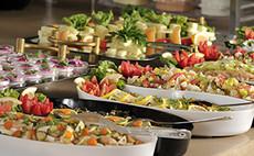 ¿Qué tiene que tener un catering a domicilio?