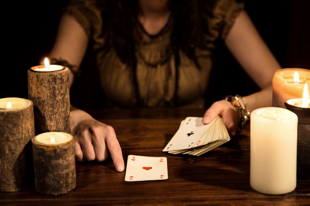 Adivinar el futuro y las 'brujas de la suerte'