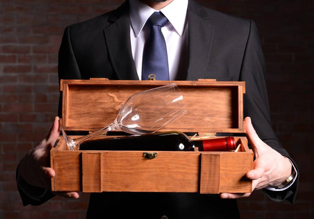 Consejos para acertar regalando un buen vino