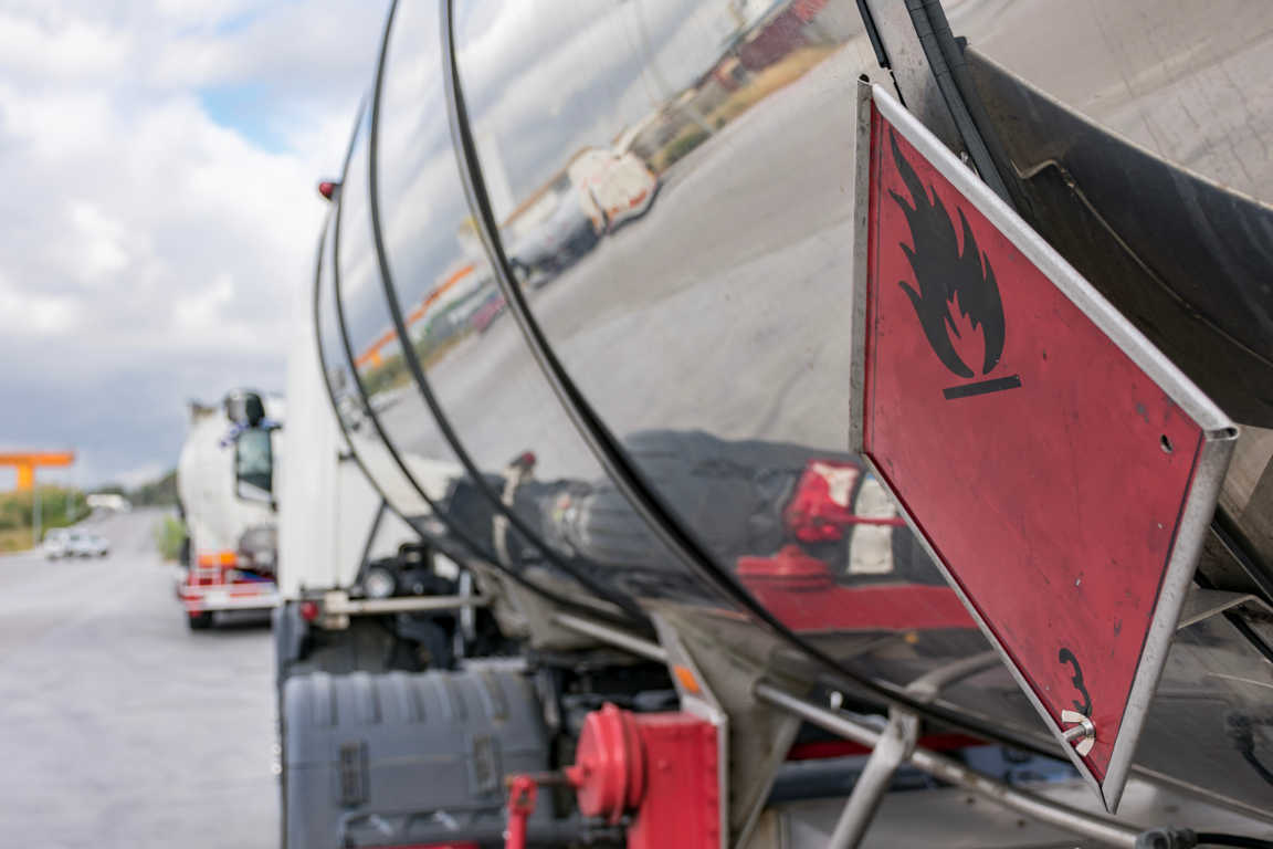 Si trabajas con el transporte de mercancías peligrosas, tienes que leer su nuevo reglamento