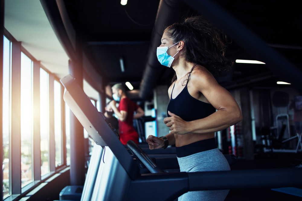 Cómo cuidarte del coronavirus cuando vas al gimnasio